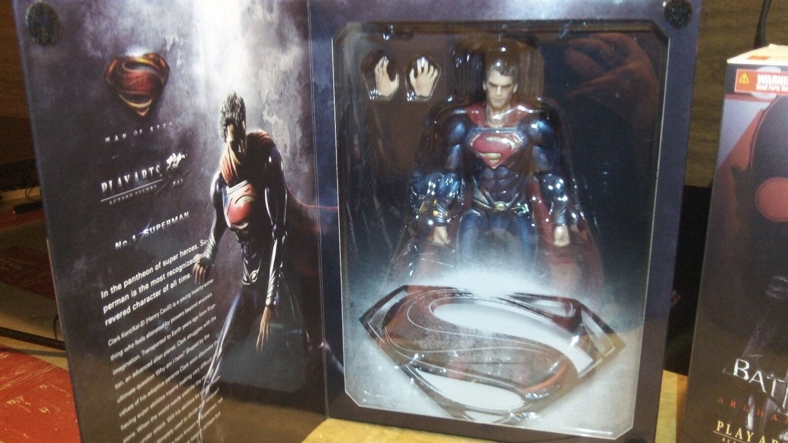 Play-Arts Batman Superman Superman Superman Arkham City NEW 7591cb