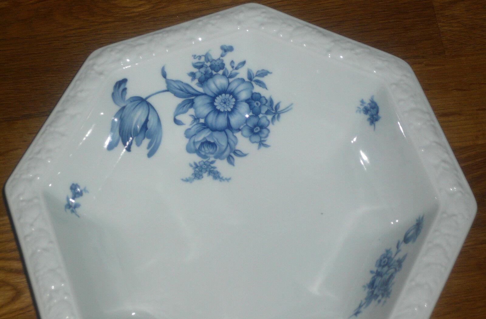 1 Servierschüssel   Schüssel 23,5 cm cm cm   23,5cm   Rosanthal  MARIA  Blaue Blaumen   Fein Verarbeitet  3483d5