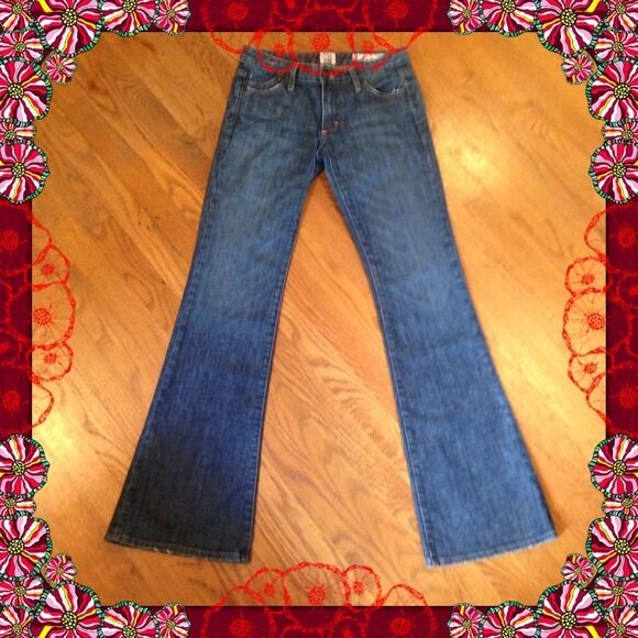 NWT  SALT WORKS AVENUE A LOW RISE FLARE JEANS SIZE 24 X 34