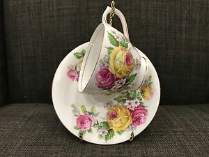 Queen-Anne-Manor-Roses-Fine-Bone-China-Tea-Cup-and-Saucer-England