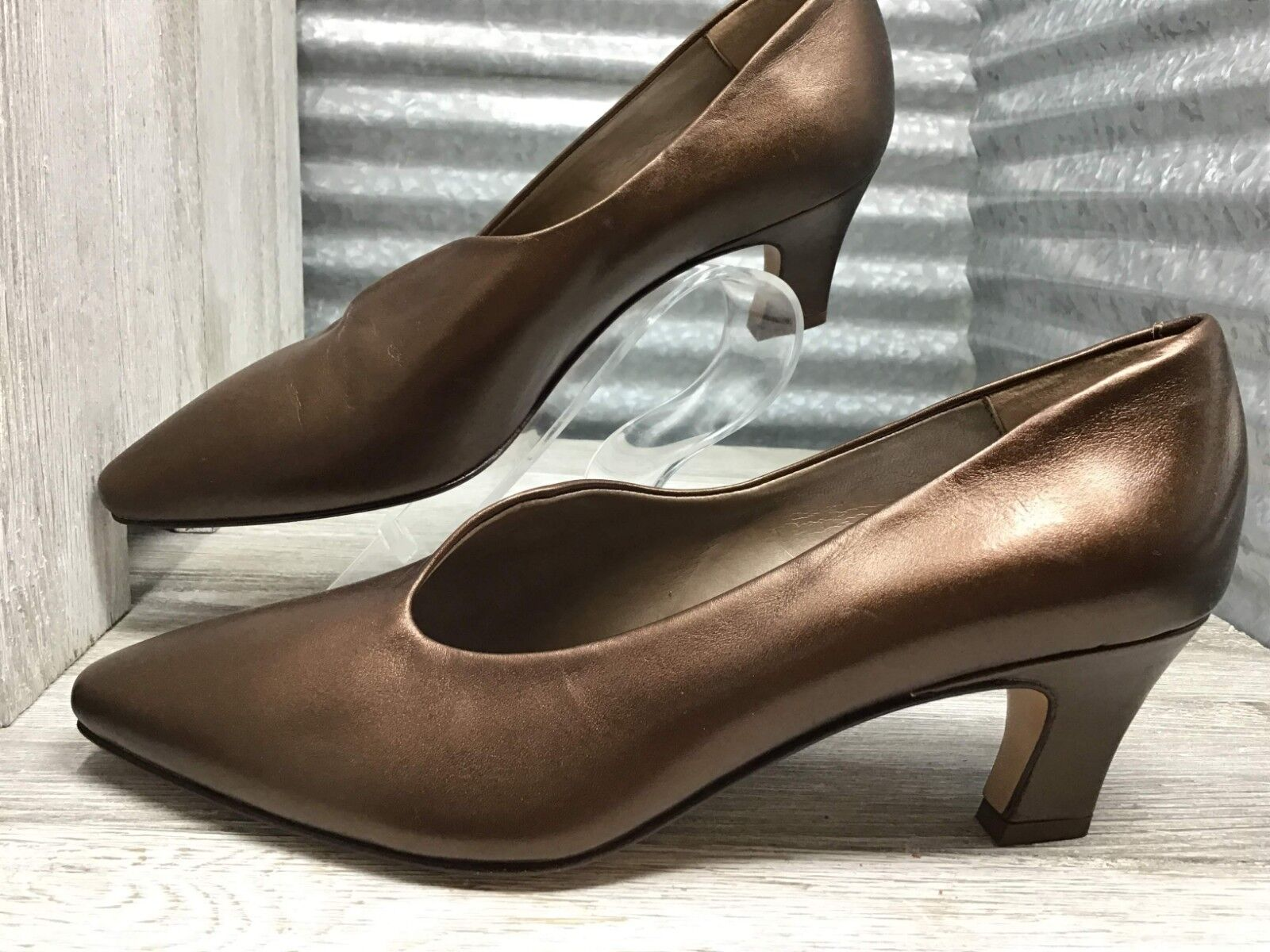Bronze Italian Heels Vintage Cut Out Pointed Toe Classic Pump Made in  Sz 6
