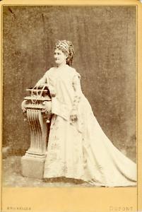 Dupont, Bruxelles, Femme en costume de théâtre antique, ca.1870, Vintage albumen