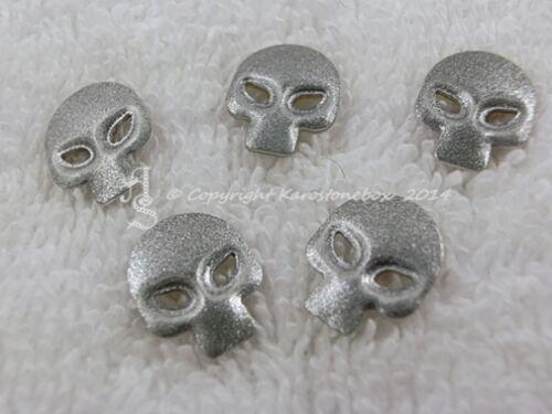25 Hotfix NailheadsTotenkopf Skull Bügelnieten Silber-Glitter Karostonebox