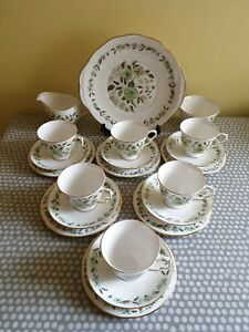 Vintage-Colclough-Green-Poppies-6-x-Trios-Cup-Saucer-amp-Plate-Sandwich-Plate