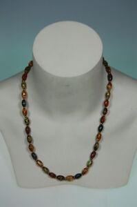 Halskette-aus-Glasperlen-buntn-gefaerbt-1980er-vintage-vergoldete-Schliesse-schwer