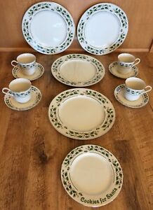 Image is loading JAPAN-FINE-CHINA-CHRISTMAS-HOLLY-BERRY-DINNERWARE-12- & JAPAN FINE CHINA CHRISTMAS HOLLY BERRY DINNERWARE 12 Pc Gold Trim ...