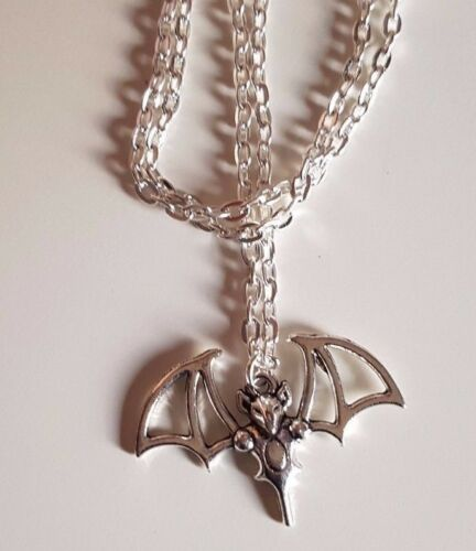 gift bag Large Vampire Bat Charm Halloween Gothic Necklace Chain and Pendant