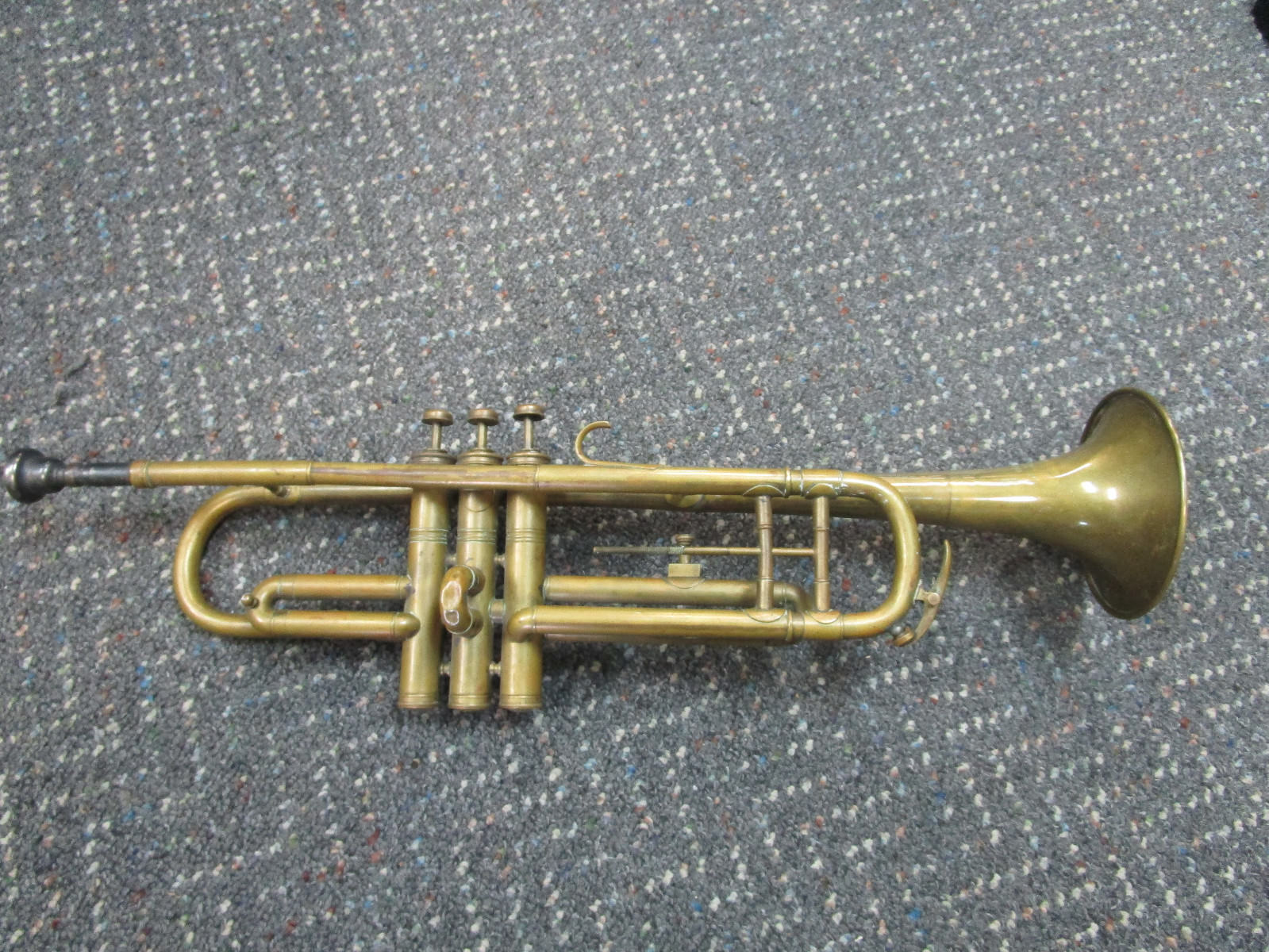 Vintage Couesnon Paris Chatteua Thierry trumpet with mouthpiece AS-IS