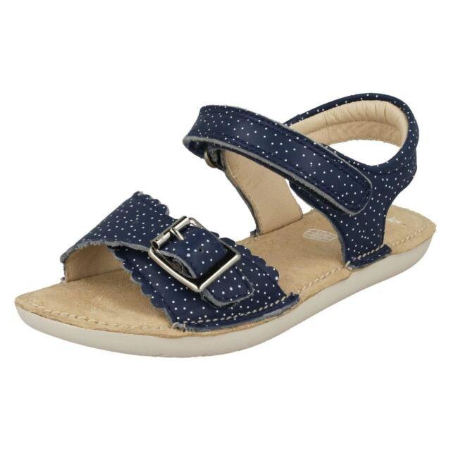 56b5f9527e9 Girls Clarks Leather Buckle Strap Sandals Ivy Blossom UK 12.5 Kids ...