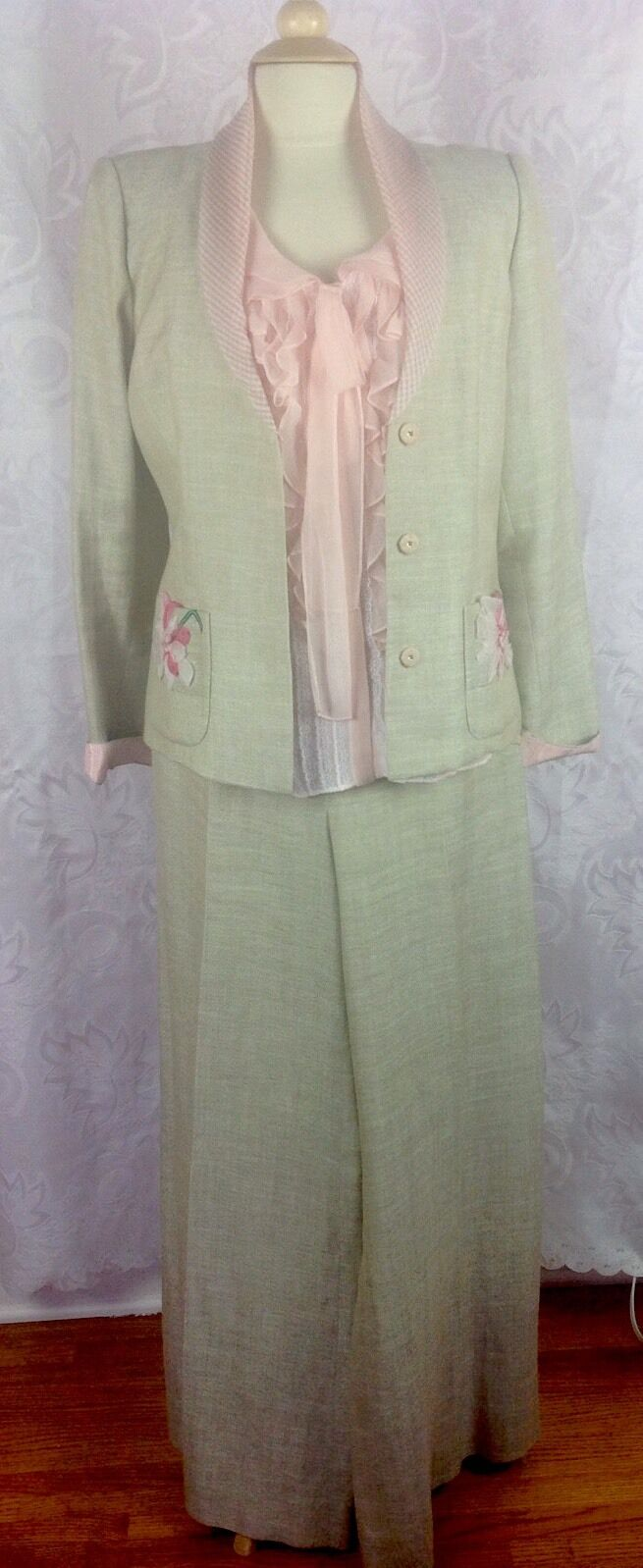 OSCAR de LA RENTA SZ.8, ROMANTIC THREE PIECE LINEN SUIT