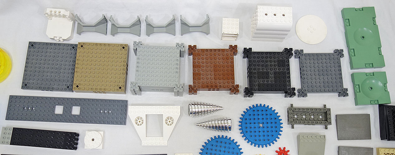 LEGO Bulk 3+ Lbs Big Lot of Specialty Parts, Parts, Parts, Supports, Plates and Unusual Items 933e1b