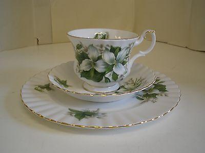 Royal Albert Trillium Cup Saucer Plate Trio Fine Bone England China Green