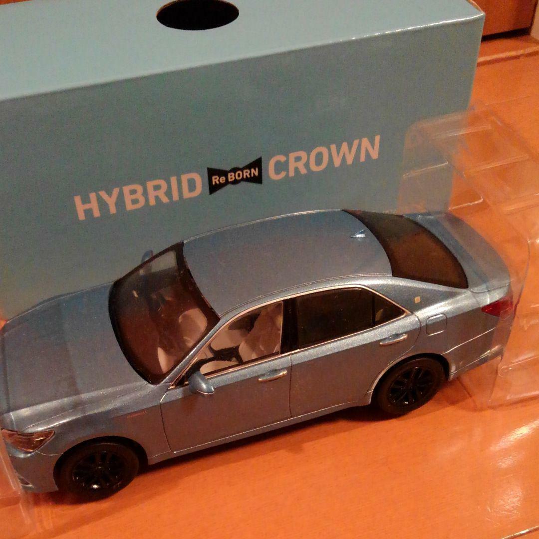 Toyota HYBRID CROWN Model Car Promo DEALER RARE Not Sold in Stores