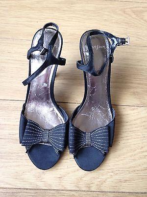 Monsoon De Cuero Negro Zapatos Taco Alto, correa de tobillo, talla 6, Excelente Estado