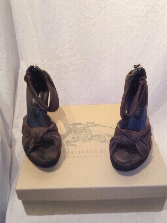 Burberry vintage check espad brown fabric wedge heel ladies b5 shoes uk 4 ref b5 ladies e65633