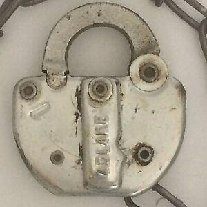 Adlake-C-amp-NW-Railroad-Lock-And-Chain-84-No-Key-Vintage