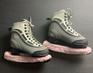 CCM-SP-60-Woman-039-s-Grey-Pink-Black-Figure-Ice-Skates-Size-1-w-Blade-Covers