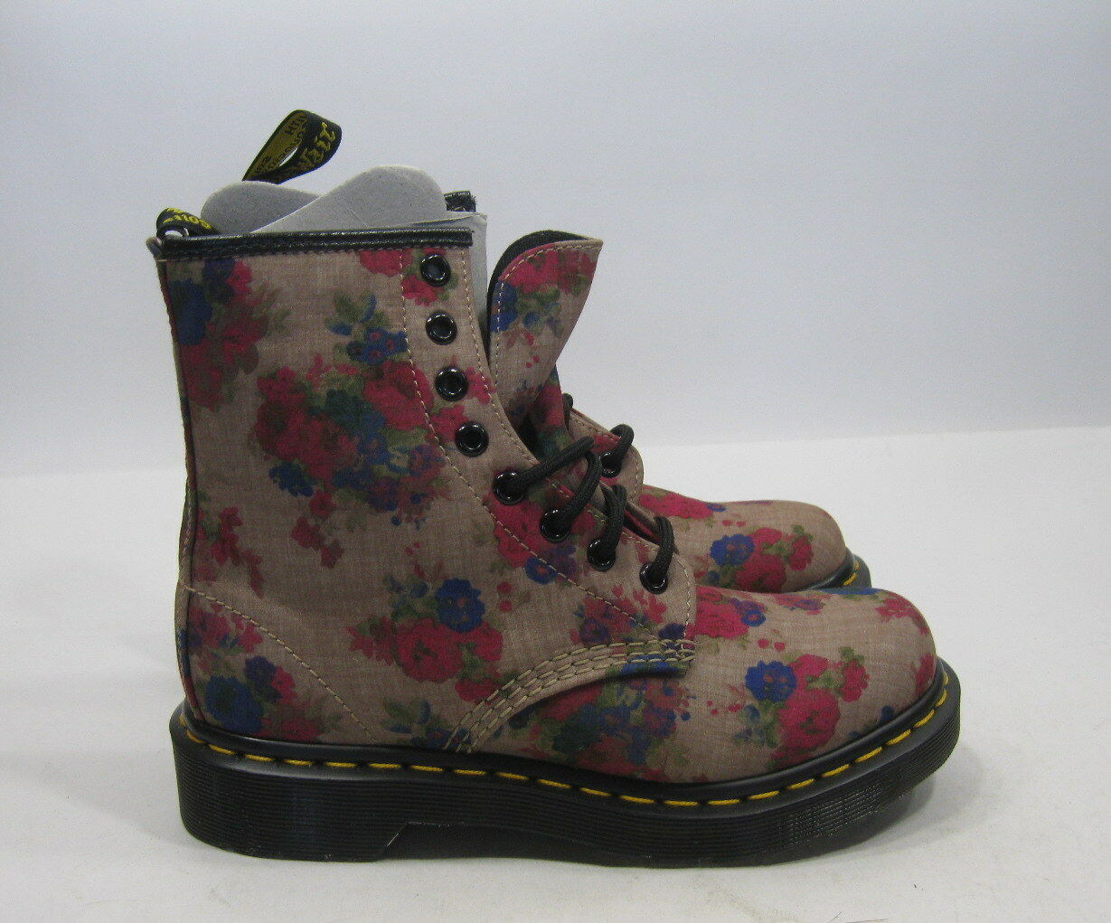 New Womens Dr Martens Castel 14723260 Vintage Bouquet    hiking boot Size 6 f10f30