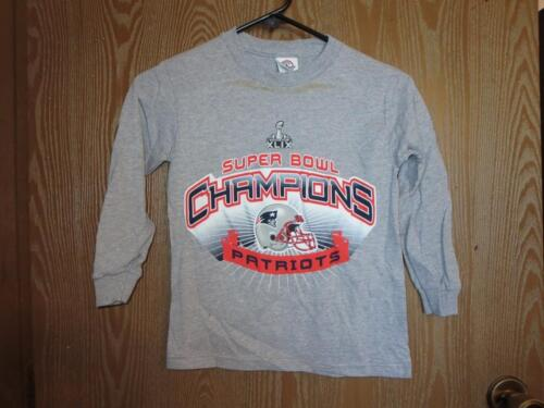 New-Minor Flaw- Neuf England Patriots 2014 Champs Jeune Pointures S-M-L Gray