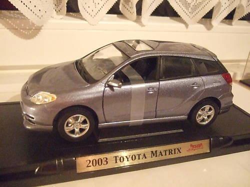TOYOTA MATRIX grau metallic 2003 ROD SIGNA 1 18 NEU OVP  | Modern Und Elegant