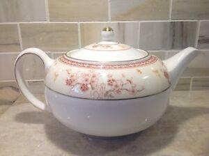 Wedgwood-Tea-Pot-MALABAR-Made-in-England