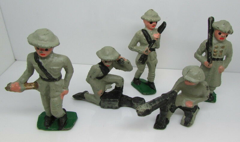 Set Of 5 WW1 (W W I) Metal Toy Soldiers