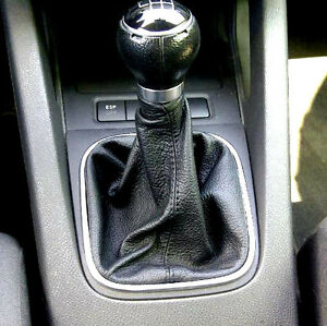 VW-GOLF-5-CUFFIA-LEVA-CAMBIO-in-VERA-PELLE-NERA-NO-POMELLO-E-PARTI-PLASTICHE