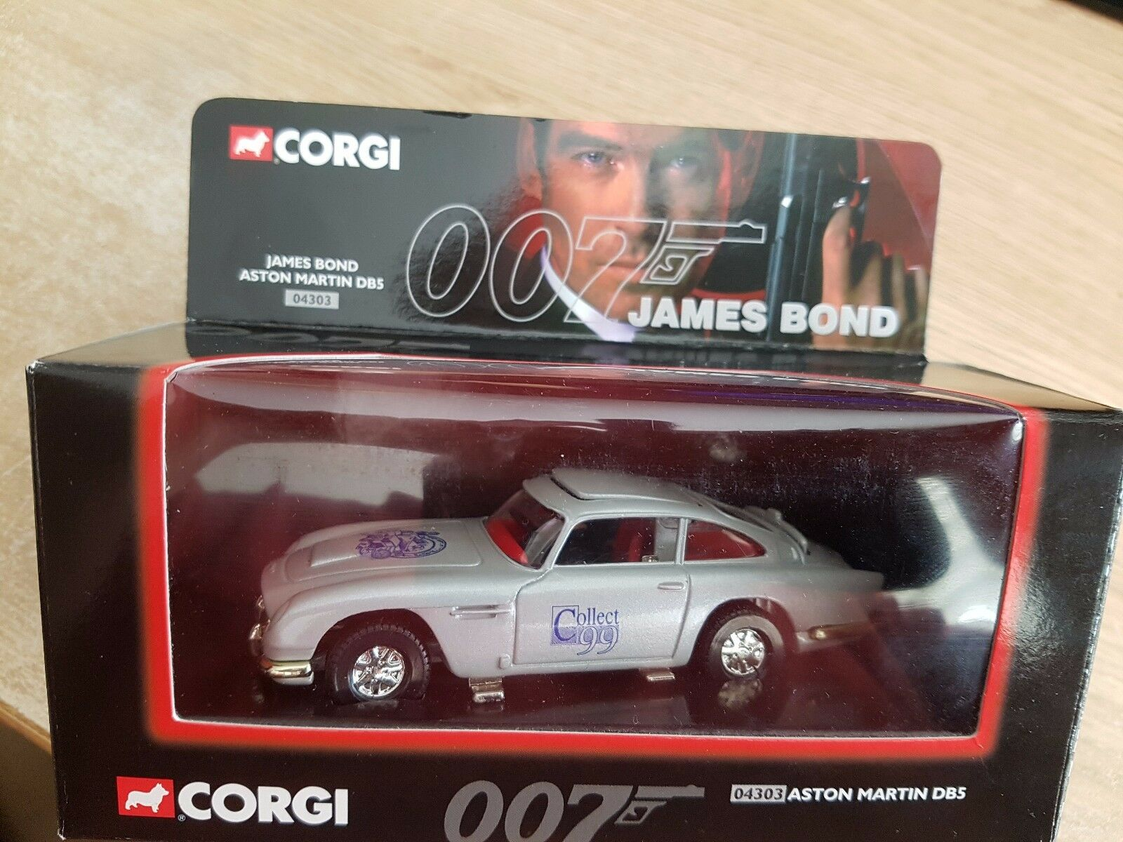 Corgi 04303 James Bond Aston Martin DB5 Collect 99 édition limitée