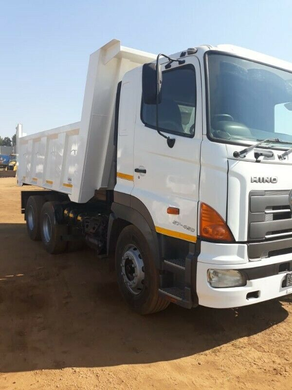 R200,RUBBLE REMOVAL,TLB HIRE