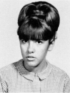 Stevie-Nicks-11th-Grade-High-School-Yearbook-Fleetwood-Mac-Near-Mint