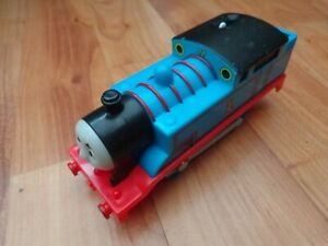 THOMAS THE TANK ENGINE /& FRIENDS-THOMAS TRACKMASTER MOTORISED train