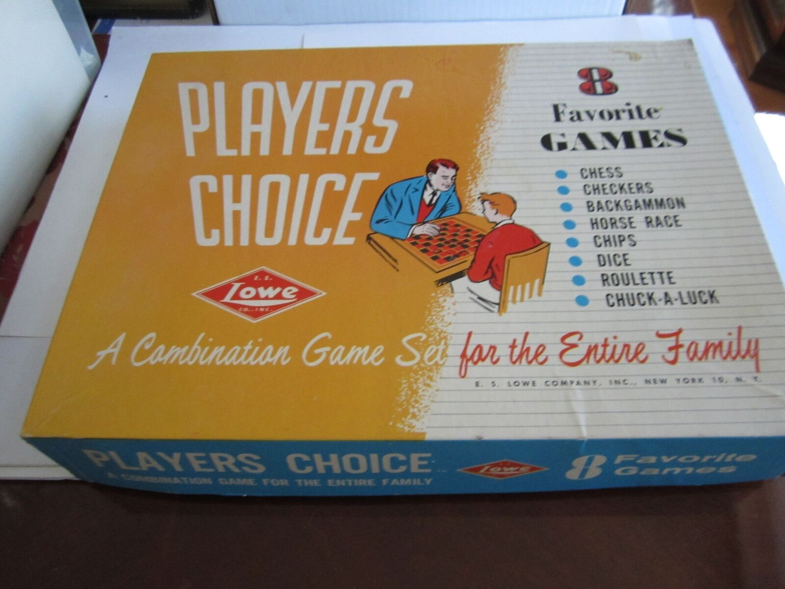 VINTAGE PLAYERS CHOICE FAMILY BOARD GAME WITH 8 GAMES- CHESS, DICE, ROULETTE MOR