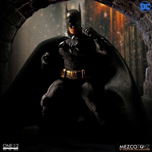 "Mezco Toyz DC Comics One:12 Batman Sovereign Knight 6/"" Action Figure WC76960"