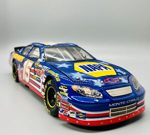 2004-Action-RCCA-Elite-Michael-Waltrip-Stars-and-Stripes-NASCAR-Replica-1-24