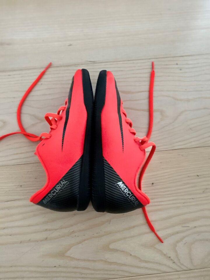 Fodboldsko, Indendørs fodboldsko, Nike Mercurial CR7