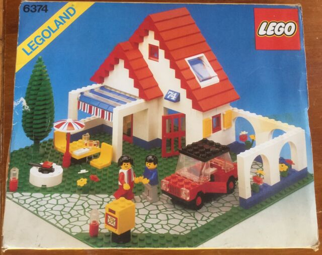 Lego Vintage 6374 classic town Holiday Home set with box & instruction