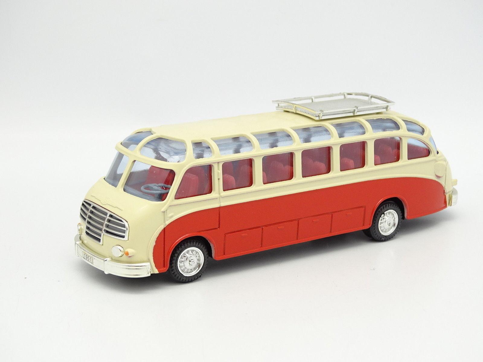 Cursore 1 50 - Kässbohrer Setra S8 Reisebus 1951 red