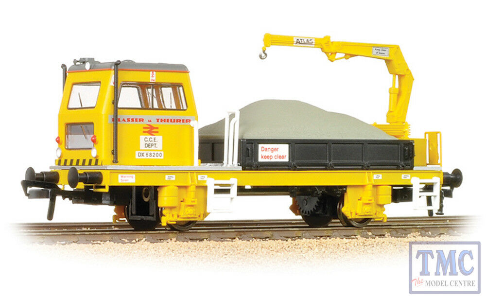 36-151 Bachmann OO Plasser OWB10 with Crane (Motorised)