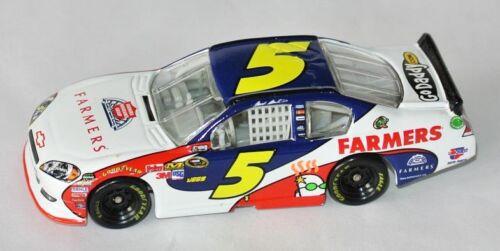 1:64 Lionel FARMERS INSURANCE #5 CHEVY NASCAR 2011 Mark Martin