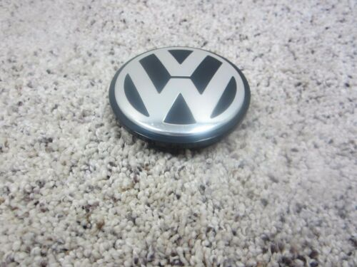 2015 2016 VOLKSWAGEN VW OEM WHEEL CENTER CAP 3B7601171 #7106N