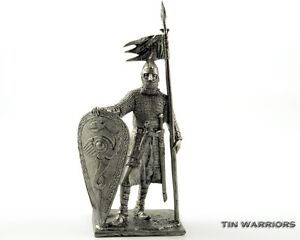 Tin toy soldiers 54mm miniature figurine Crusader knight 14Cen metal sculpture