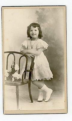 PHOTO CDV Marseille Ouvière juin 1911 une fillette prend la pose mode
