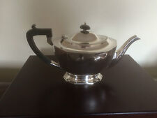 BEAUTIFUL SILVER PLATED TEAPOT ON A HEXAGANOL OVAL RAISED FOOT  (SPTP 7419)