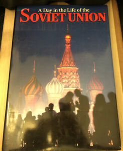 """Old 1987 """"A DAY IN THE LIFE OF THE SOVIET UNION"""" Coffee Table Book 1st Edition"""