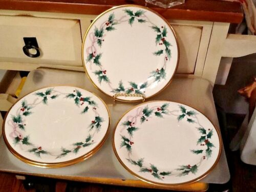 """MIKASA Christmas RIBBON HOLLY ROUND CHEESE PLATE 8 /""""  Bone China CAF03"""