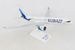SKYMARKS-SKR1018-KUWAIT-AIRLINES-A330-800NEO-1-200-SCALE-PLASTIC-SNAPFIT-MODEL