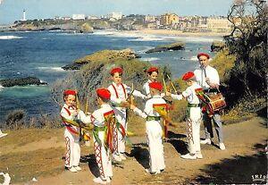 BR49136-Pays-basque-groupe-chelitztarrak-de-biarritz-costumes-folklore