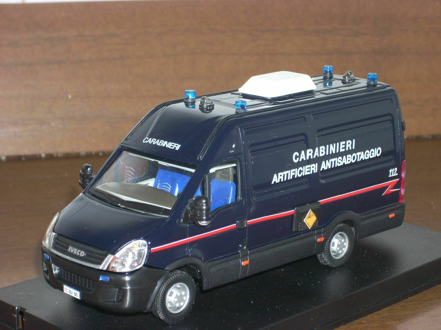 Carabinieri police iveco daily IV Series Bomb Squad Anti Scale 1 43