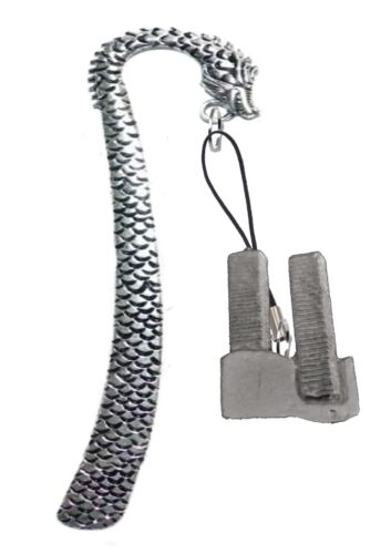 Twin Towers 2.4x3.8cm gt286 English Pewter On A DRAGON Bookmark