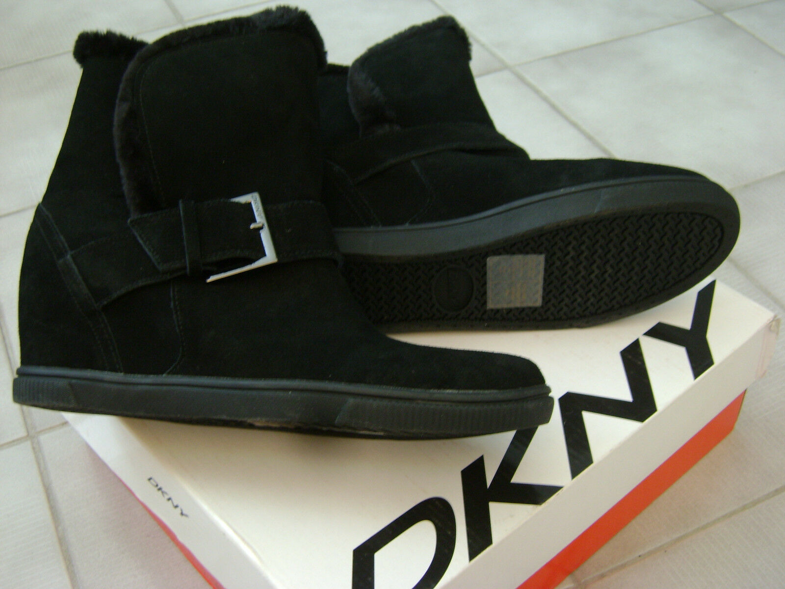 DKNY Donna Karan Sara Sport Suede Leather Wedge Ankle Boots - Size 9.5 B